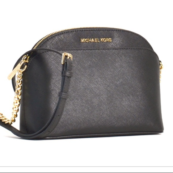 171fcb799024 Michael Kors Bags | Jet Set Travel Medium Dome Crossbody | Poshmark